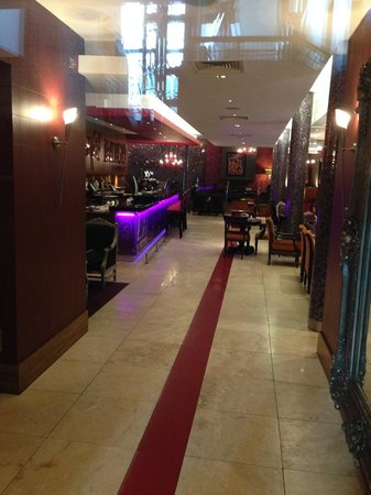 Clontarf Castle Hotel: One of the dining rooms/bars