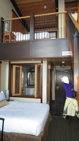 Sunshine Mountain Lodge : Our beautiful loft suite!