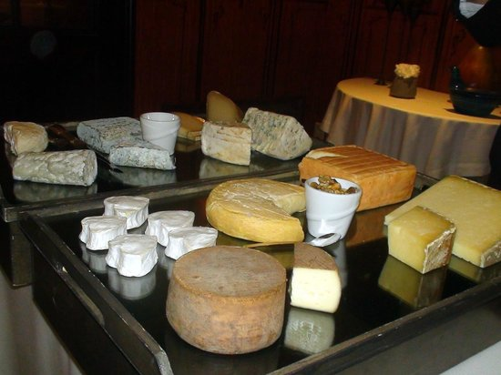 Le Vieux Logis: The cheese board