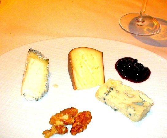 Le Vieux Logis: Cheese