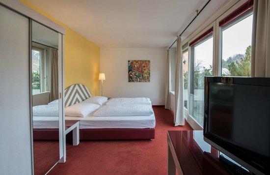 Hotel Neutor: Superior room with balcony