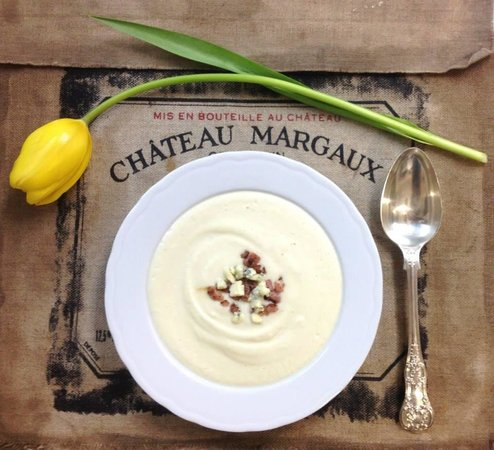 La Maison Du Vin Kurkoff : Creme de Chou-fleur au bacon et Gorgonzola