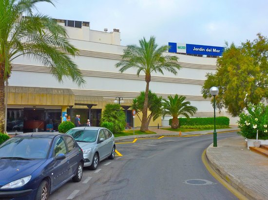 Front of hotel picture of trh jardin del mar santa for Hotel jardin del mar
