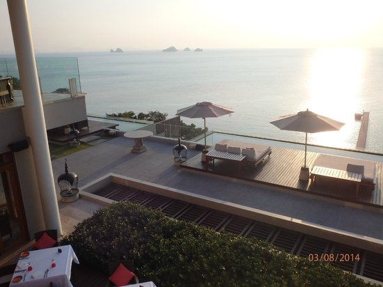 InterContinental Samui Baan Taling Ngam Resort: View from the hotel lobby