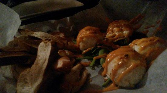 Mojos Bar & Grille : Buffalo goat cheese balls