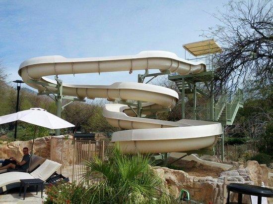 Westin La Paloma Resort and Spa: A fun waterslide!
