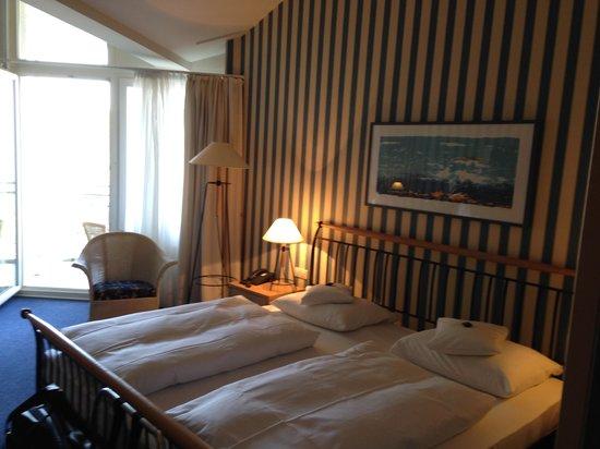 Dorint Strandhotel Binz/Rügen: DZ Wittow Bett