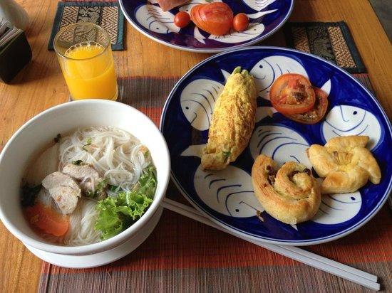 Frangipani Villa Hotel, Siem Reap: 朝食