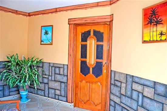 Villa La Roca: Entrada