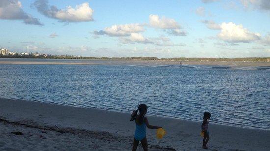 Gemini Resort : The calm waters of Golden beach.