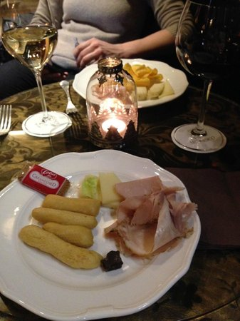 Hotel Moresco : Food & Drinks given upon arrival