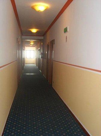 Hotel Relax : panoramica del corridoio