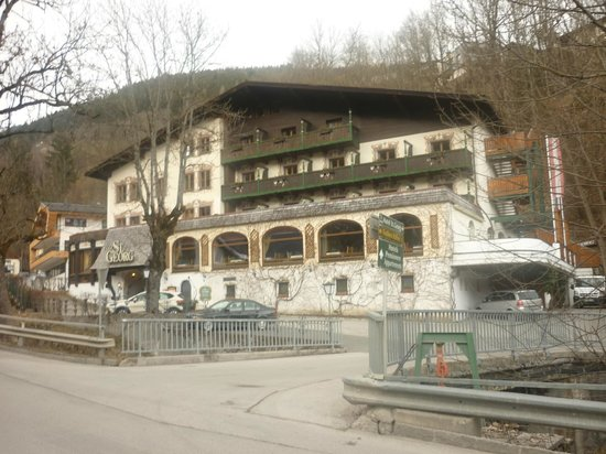 Hotel St. Georg: Front of hotel