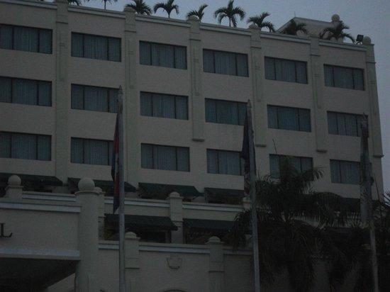 Sunway Hotel Phnom Penh : vista frontale