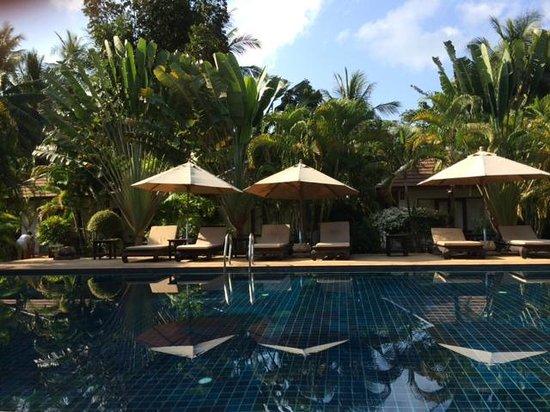 Easy Time Resort: Pool