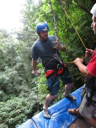 Pure Trek - Tours: Getting ready for the final repel