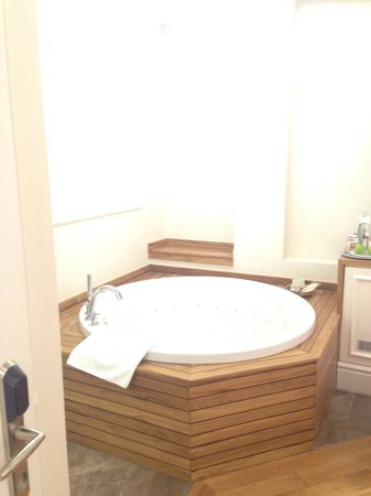 Corinne Hotel: vasca da bagno camera Classic matrimoniale n. 31