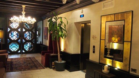 Aqua Palace Hotel : Lift Lobby