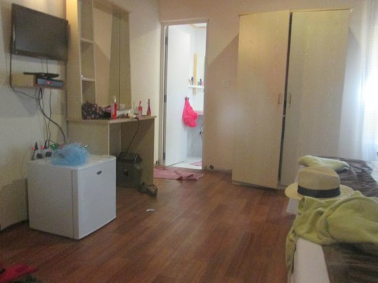 Stingray Beach Inn: room