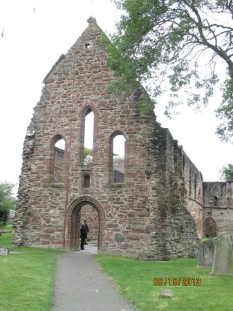 Invergordon Bus Tours: The remains of the Templar Church