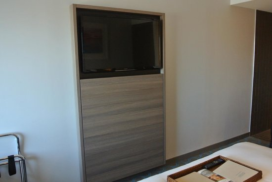 Rydges Sydney Airport Hotel: Good selection of free and cable channels