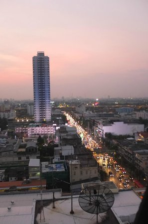 Bangkok City Hotel: Sunset