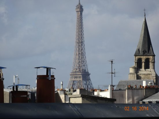 Holiday Inn Paris - Notre Dame: View fromour room