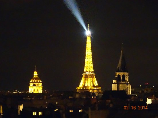 Holiday Inn Paris - Notre Dame: View at night from our room