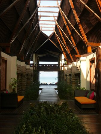 Amata Resort and Spa : View down the central axis to the framed ocean.