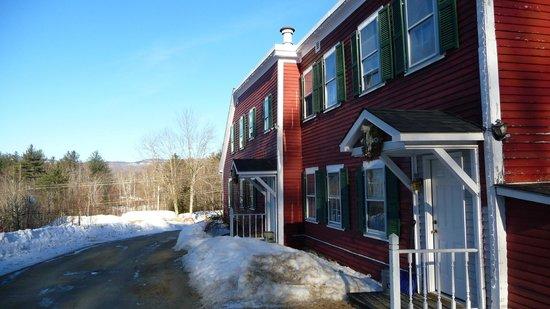 Christmas Farm Inn & Spa: Salt box - entrance to room