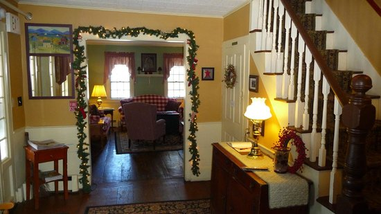 Christmas Farm Inn & Spa : Inn entrance