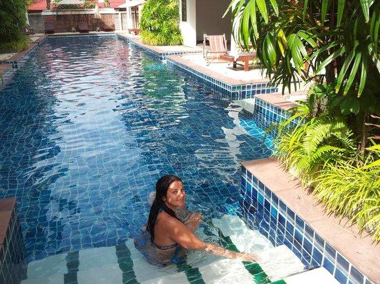 Florist Resort : бассейн