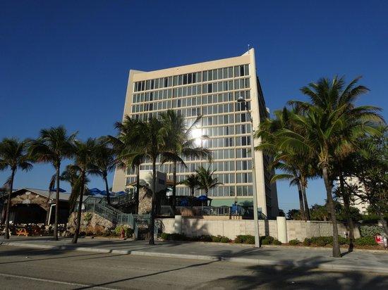 Courtyard Fort Lauderdale Beach: Exterior View