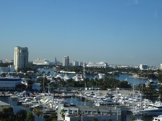 Courtyard Fort Lauderdale Beach: View of port from room