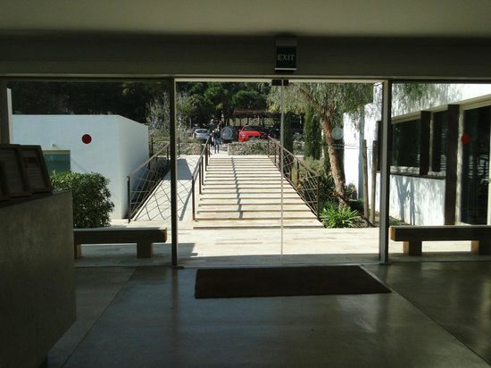Hostal Spa Empuries: Vista desde la entrada del Hotel