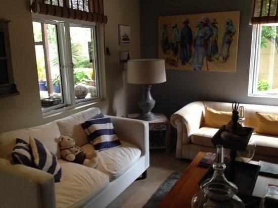 Bleu De Toi Boutique Guest House: living