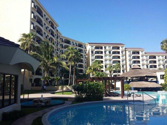 Emporio Hotel & Suites Cancun: Vista desde la alberca
