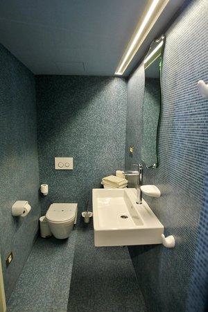 La Demba Arte-Hotel: Baño