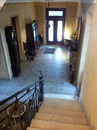 Chateau La Roussille : View of entrance lobby