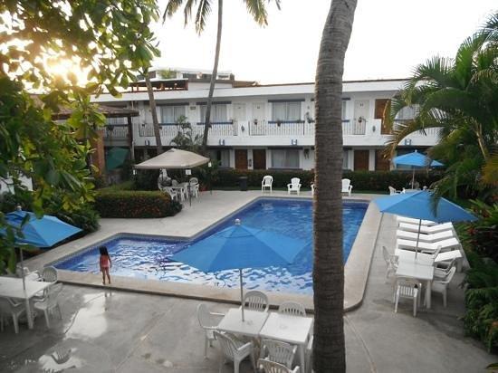 Hacienda de Vallarta Las Glorias: pool area