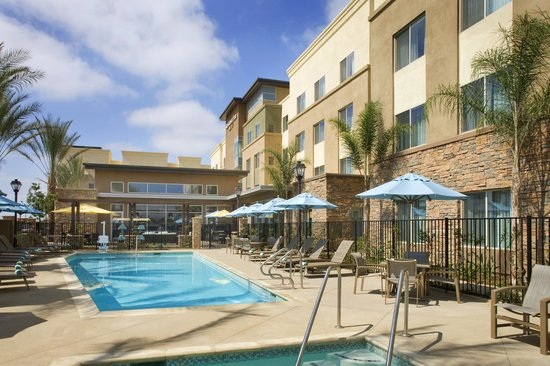 Residence Inn Tustin Orange County : Outdoor pool and whirlpool