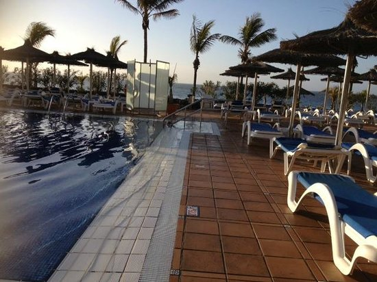 VIK Hotel San Antonio: the pool