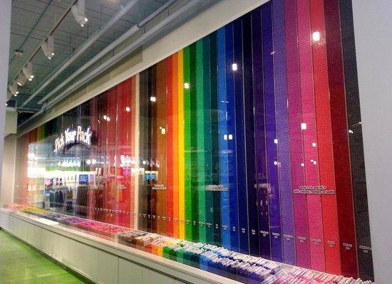 Crayola Experience: Store Display