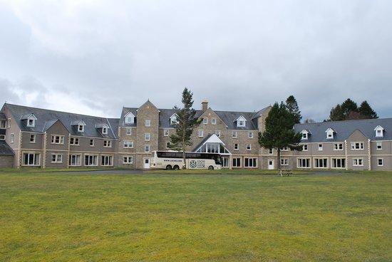 Loch Tummel Hotel: view of hotel