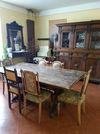 Hotel Azzi - Locanda degli Artisti: интерьер, антиквариат