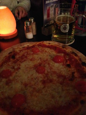 Old Town Apartments - Schoenhauser Allee : Pizza