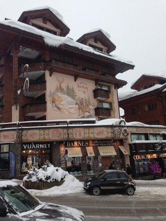 Hotel de la Loze: From the slopes