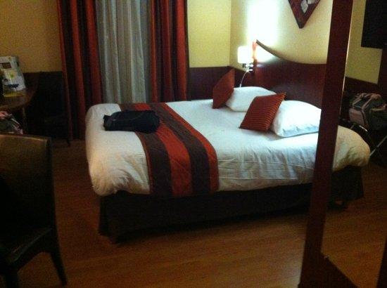 Hotel Center : Chambre grand confort