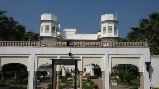 Taj Usha Kiran Palace, Gwalior : hotel exterior