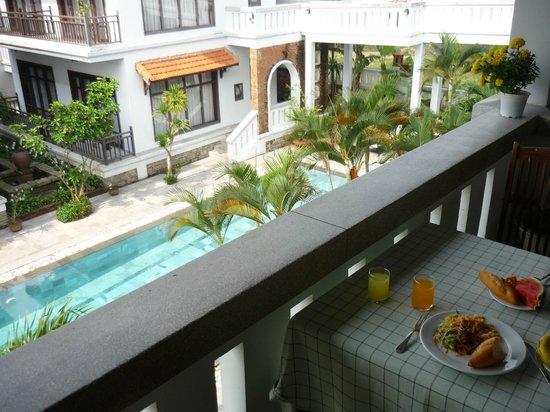 Southern Hotel & Villa Hoi An: Приятно позавтракать с видом на бассейн